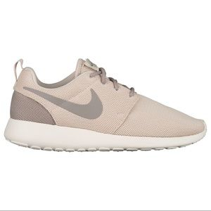 Nike tan Roshe Run Sneakers size 9